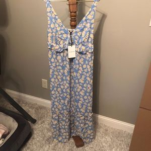NWT Woman's Sleeveless Floral Dress